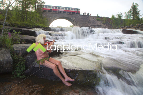 12024_Näcken_photo_Peter_Rosen_LapplandMedia.jpg - Fotograf | Film | Bildbyrå | Fotoresor | Souvenirer | Luleå | Abisko | Norrbotten | Lappland Media AB
