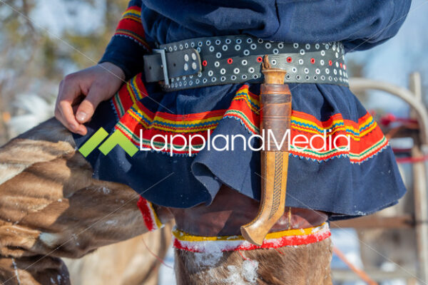 Same i gammal samisk klädsel :Sami guy in old sami clothes, Swedish Lapland - Lappland Media