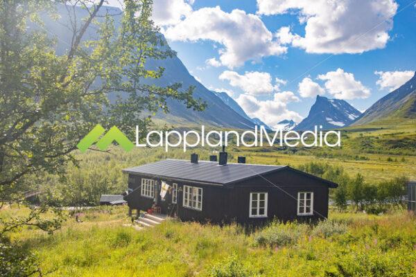 Vistasstugan STF fjällstuga :Mountain hut along the Kingstrail - Lappland Media
